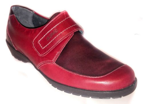 Jenny touch fastening soft leather in Beige, Navy and exclusive Cherry Red